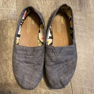 Tom's Blue Slip On Canvas Shoes Womens 6